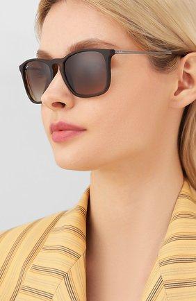 Женские солнцезащитные очки RAY-BAN коричневого цвета, арт. 4187-856/13 | Фото 2