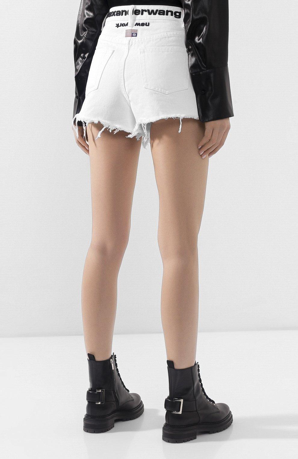 Женские джинсовые шорты ALEXANDERWANG.T белого цвета, арт. 4DC1204685 | Фото 4 (Женское Кросс-КТ: Шорты-одежда; Кросс-КТ: Деним; Длина Ж (юбки, платья, шорты): Мини; Материал внешний: Хлопок; Стили: Кэжуэл)