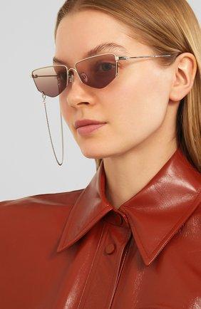 Женские солнцезащитные очки MCQ SWALLOW серебряного цвета, арт. MQ0271SA 002 | Фото 2 (Тип очков: С/з; Оптика Гендер: оптика-женское; Очки форма: Прямоугольные)