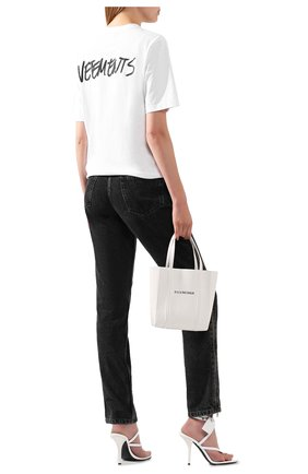 Женская хлопковая футболка VETEMENTS белого цвета, арт. UAH21TR619 1600/W | Фото 2
