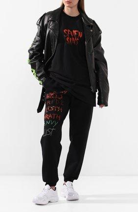Женская хлопковая футболка VETEMENTS черного цвета, арт. UAH21TR518 1600/W | Фото 2