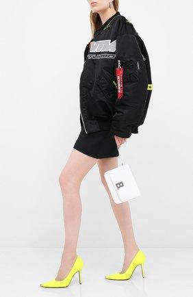 Женский бомбер VETEMENTS черного цвета, арт. UAH21JA930 1307/W | Фото 2