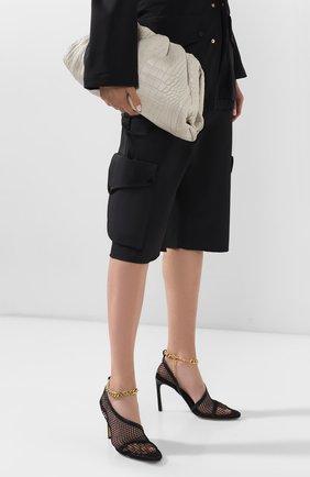 Женский клатч pouch из кожи аллигатора BOTTEGA VENETA белого цвета, арт. 576227/VCPX0/AMIS | Фото 2