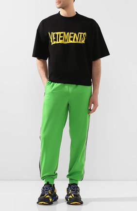 Мужская хлопковая футболка VETEMENTS черного цвета, арт. UAH21TR618 1610/M   Фото 2