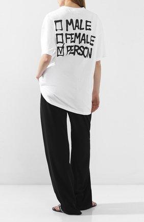 Женская хлопковая футболка VETEMENTS белого цвета, арт. UAH21TR513 1600/W   Фото 2