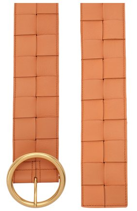 Женский кожаный ремень BOTTEGA VENETA бежевого цвета, арт. 577933/VMAY2 | Фото 2 (Материал: Кожа)