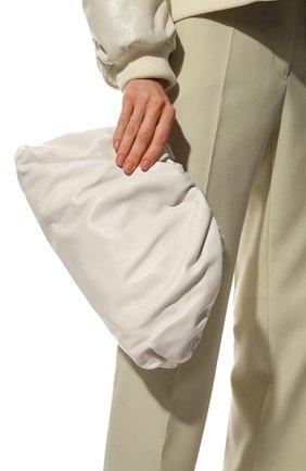 Женский клатч pouch BOTTEGA VENETA белого цвета, арт. 576227/VCP40 | Фото 2