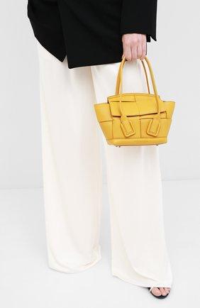 Женская сумка arco mini BOTTEGA VENETA желтого цвета, арт. 600606/VA981 | Фото 2