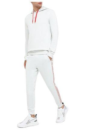 Мужской хлопковые джоггеры HUGO белого цвета, арт. 50432341 | Фото 2