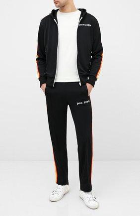 Мужской брюки PALM ANGELS черного цвета, арт. PMCA007E20FAB0021084 | Фото 2