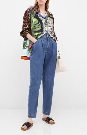 Женские джинсы DOLCE & GABBANA голубого цвета, арт. FTB0LD/G8BE3 | Фото 2