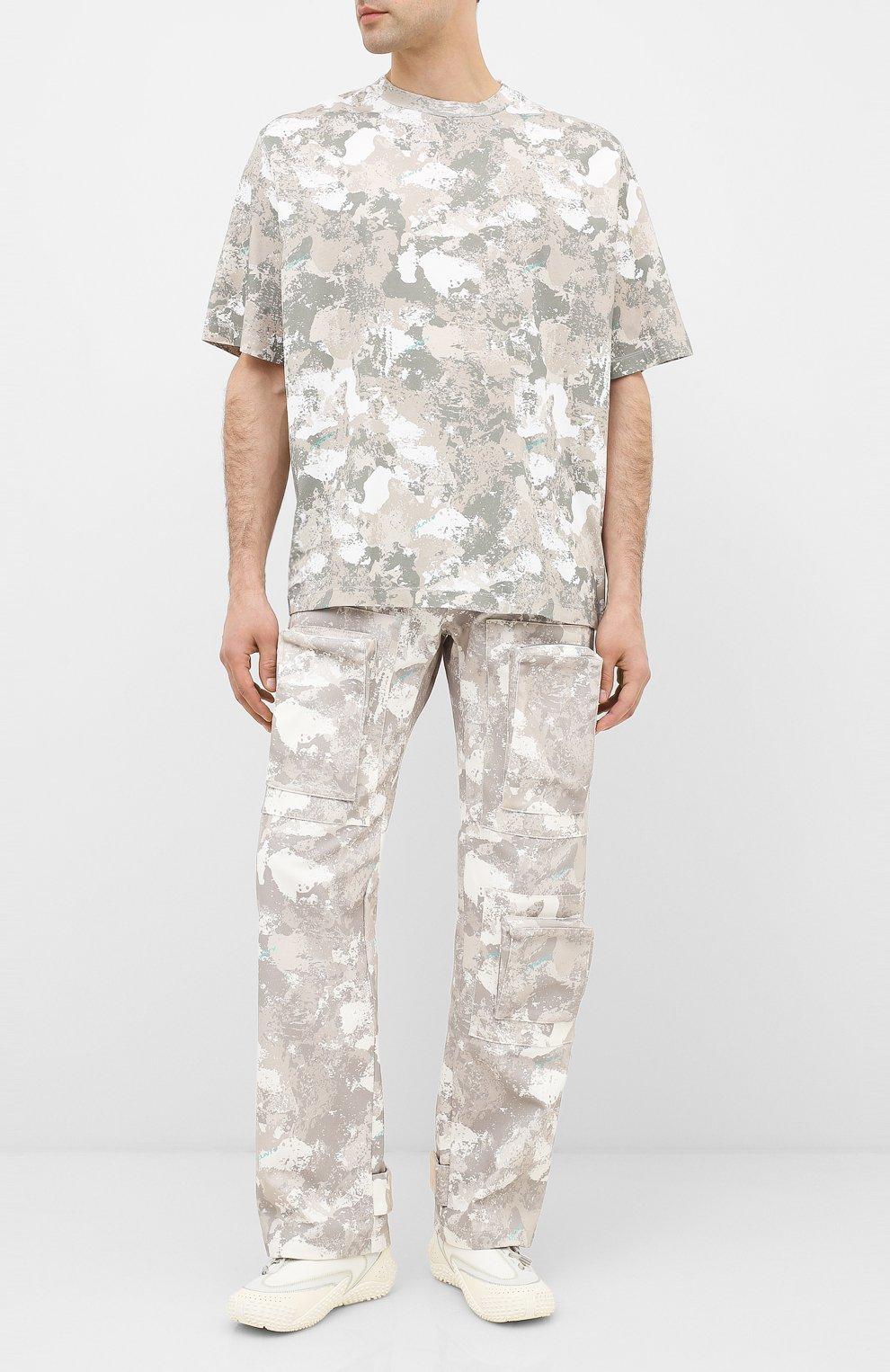 Мужская хлопковая футболка MARCELO BURLON бежевого цвета, арт. CMAA054E20JER007   Фото 2 (Рукава: Короткие; Длина (для топов): Стандартные; Мужское Кросс-КТ: Футболка-одежда; Материал внешний: Хлопок; Стили: Кэжуэл)