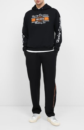 Мужские брюки genuine motorclothes HARLEY-DAVIDSON черного цвета, арт. 96390-20VM | Фото 2 (Материал внешний: Синтетический материал; Длина (брюки, джинсы): Стандартные; Мужское Кросс-КТ: Брюки-трикотаж; Случай: Повседневный)
