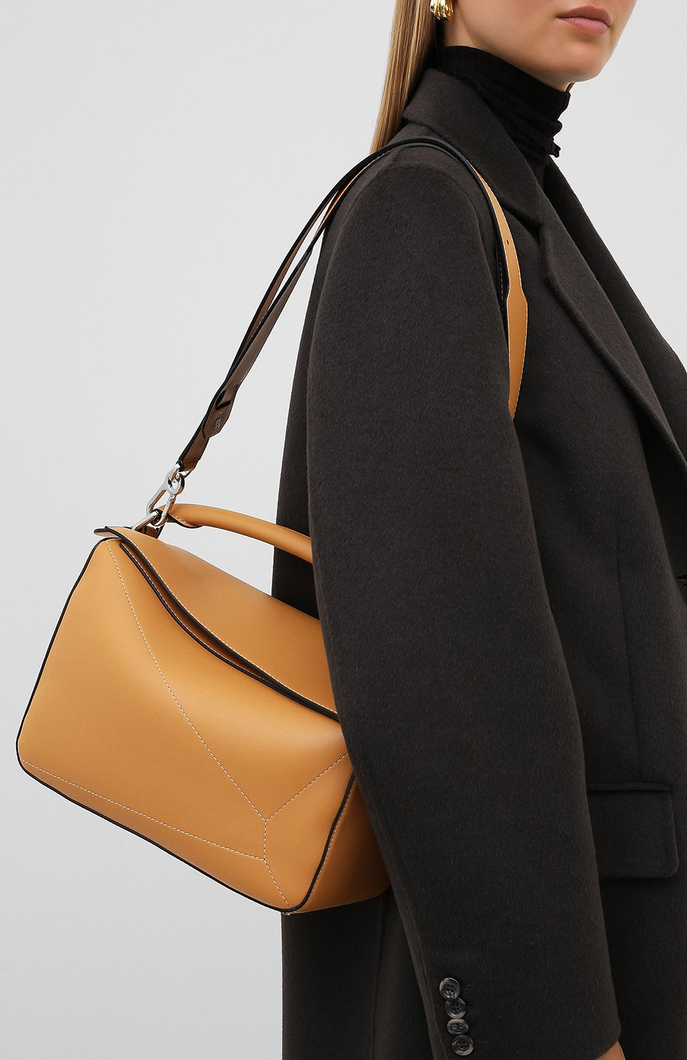Женская сумка puzzle LOEWE бежевого цвета, арт. 326.77AC41 | Фото 5