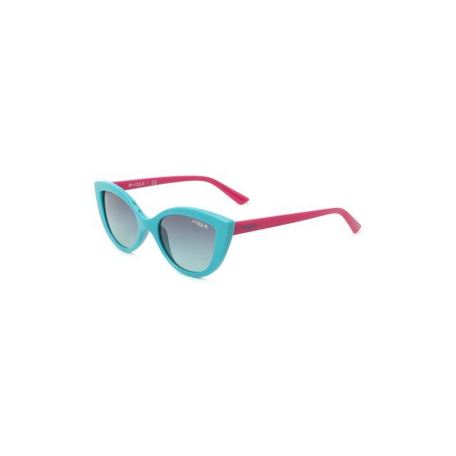 Солнцезащитные очки Vogue.