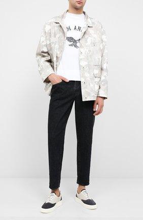 Мужские джинсы MARCELO BURLON черного цвета, арт. CMYA017E20DEN005 | Фото 2