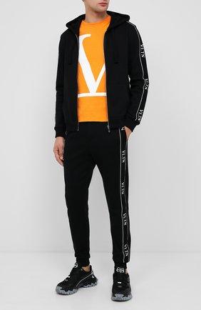 Мужской хлопковые джоггеры VALENTINO черного цвета, арт. UV3MD02J6LP | Фото 2