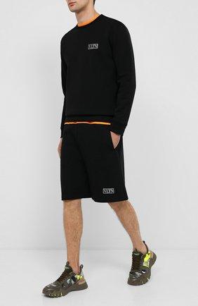 Мужские хлопковые шорты VALENTINO черного цвета, арт. UV3MD02P6LB | Фото 2