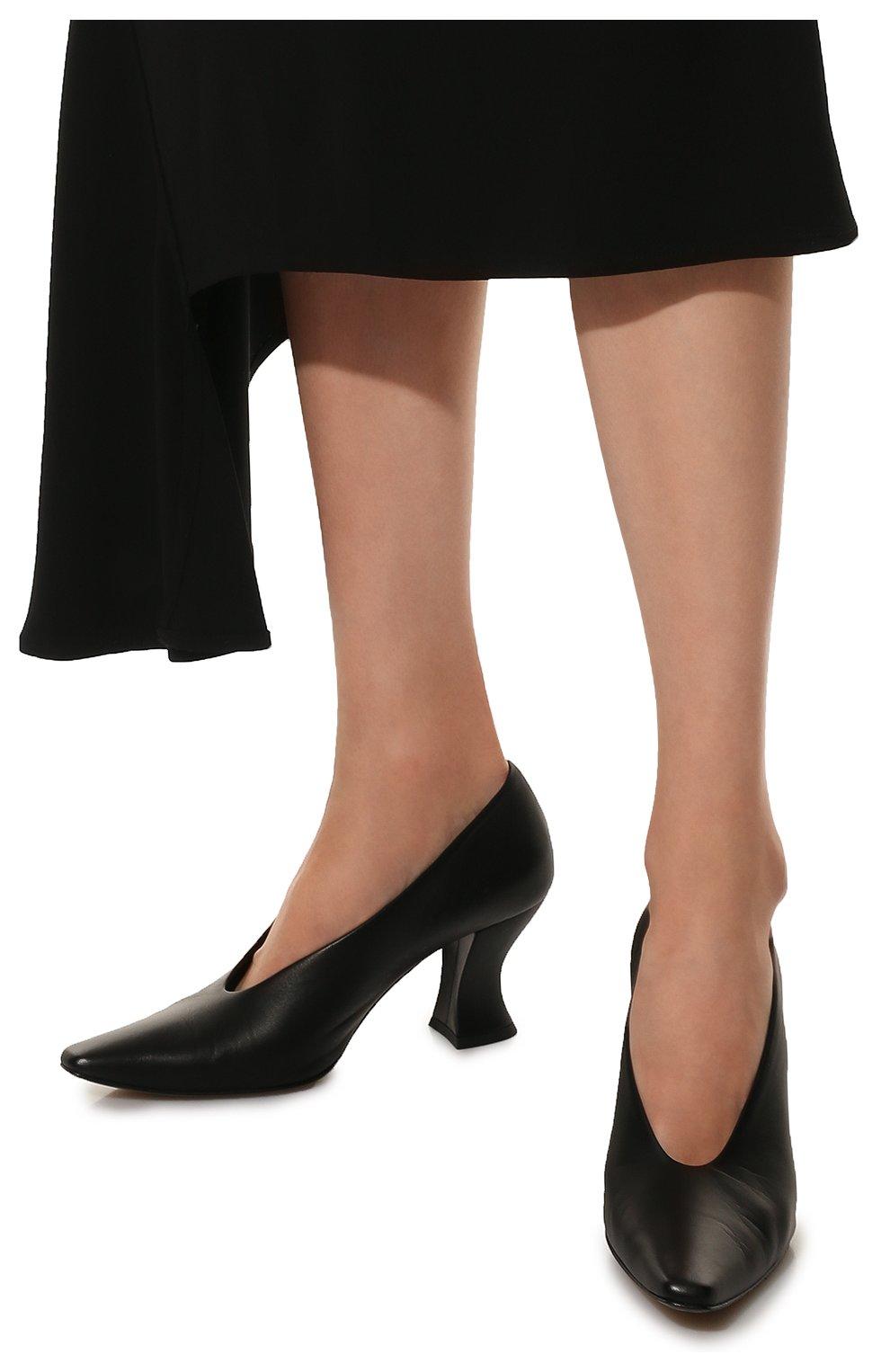 Женские кожаные туфли almond BOTTEGA VENETA черного цвета, арт. 608839/VBSD0 | Фото 3