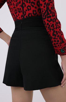 Женские шорты REDVALENTINO черного цвета, арт. UR3RFD55/00J | Фото 4 (Женское Кросс-КТ: Шорты-одежда; Материал внешний: Шерсть, Синтетический материал; Длина Ж (юбки, платья, шорты): Мини)