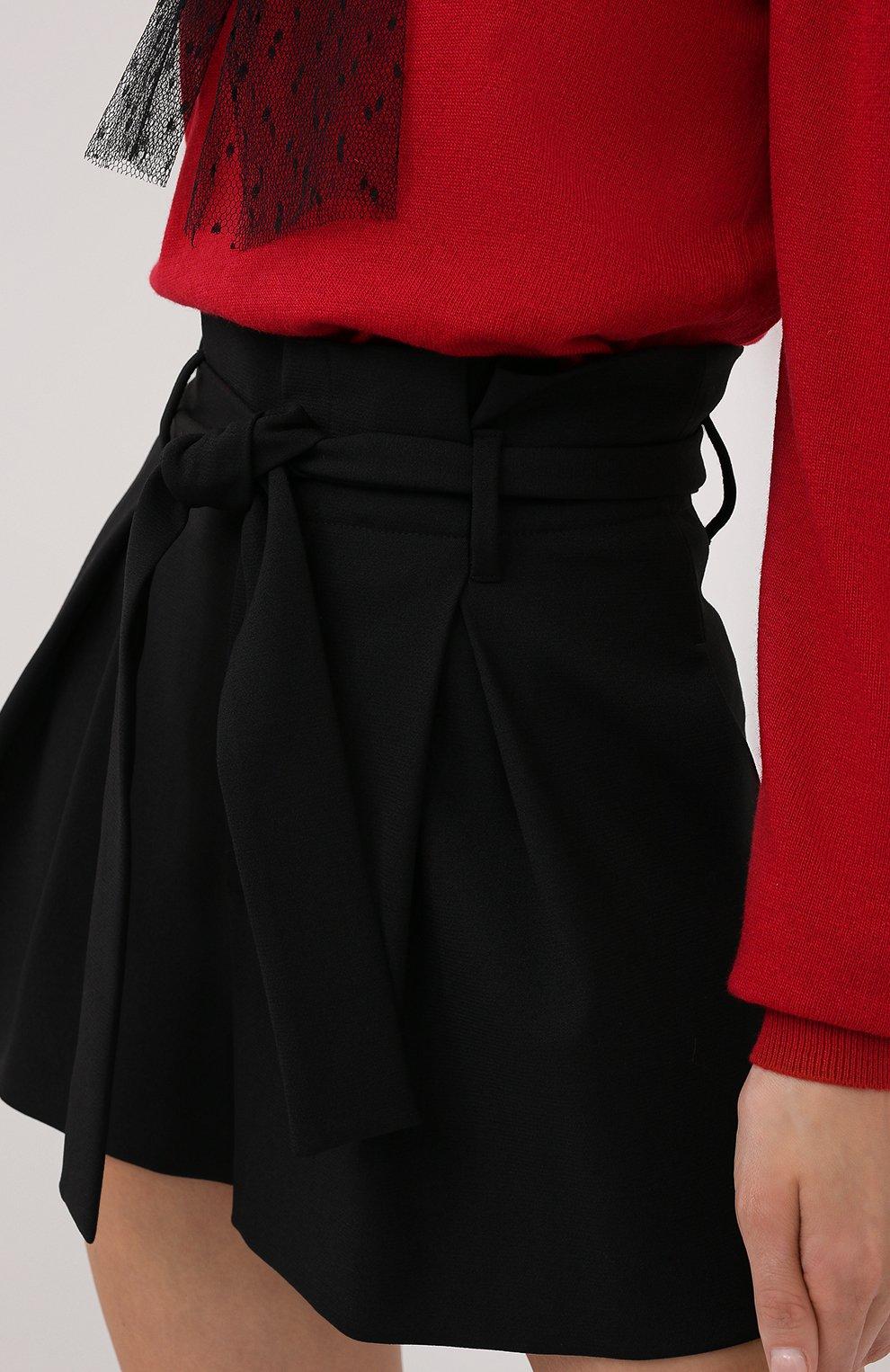 Женские шорты REDVALENTINO черного цвета, арт. UR3RFD75/0VM | Фото 5 (Женское Кросс-КТ: Шорты-одежда; Длина Ж (юбки, платья, шорты): Мини; Материал внешний: Синтетический материал; Стили: Романтичный, Кэжуэл)