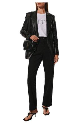 Женская хлопковая футболка VALENTINO черно-белого цвета, арт. UB3MG07D3V6 | Фото 2