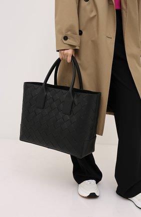 Женская сумка-тоут BOTTEGA VENETA черного цвета, арт. 629888/VCRU1 | Фото 2