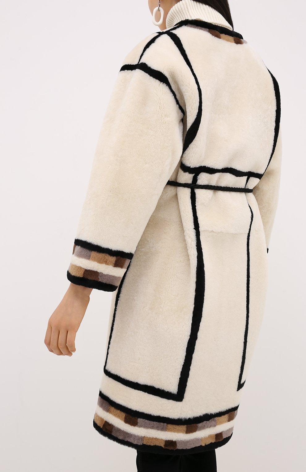 Женская дубленка с поясом BLANCHA светло-бежевого цвета, арт. 20095/300/26/VARIANTE IV0RY | Фото 4 (Женское Кросс-КТ: Мех, Замша и кожа; Рукава: Длинные; Материал внешний: Натуральный мех; Длина (верхняя одежда): До колена)