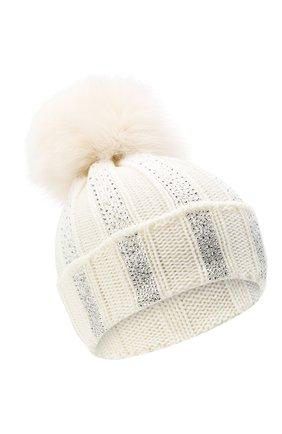 Детского шерстяная шапка с меховым помпоном CATYA белого цвета, арт. 024653 | Фото 1