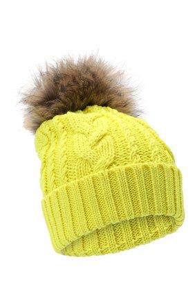 Детского шерстяная шапка с меховым помпоном CATYA желтого цвета, арт. 24651 | Фото 1