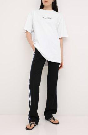 Женская хлопковая футболка VETEMENTS белого цвета, арт. UAH21TR506 1611/W | Фото 2