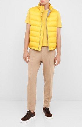 Мужской пуховый жилет BRUNELLO CUCINELLI желтого цвета, арт. MR4051714 | Фото 2
