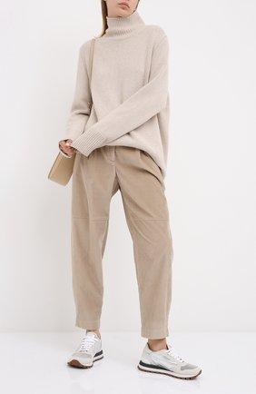 Женские брюки BRUNELLO CUCINELLI бежевого цвета, арт. MP180P7349   Фото 2