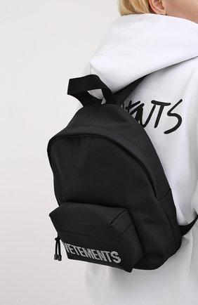 Женский текстильный рюкзак VETEMENTS черного цвета, арт. UAH21BA255 1301/W | Фото 2