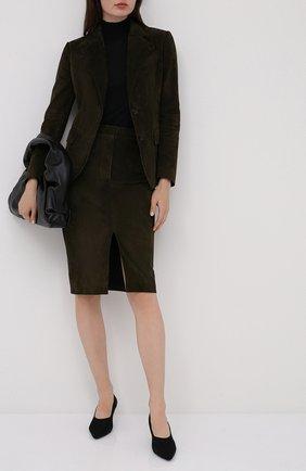 Женская замшевая юбка TOM FORD хаки цвета, арт. GCL804-LEX226 | Фото 2 (Материал подклада: Шелк; Длина Ж (юбки, платья, шорты): До колена; Материал внешний: Замша)
