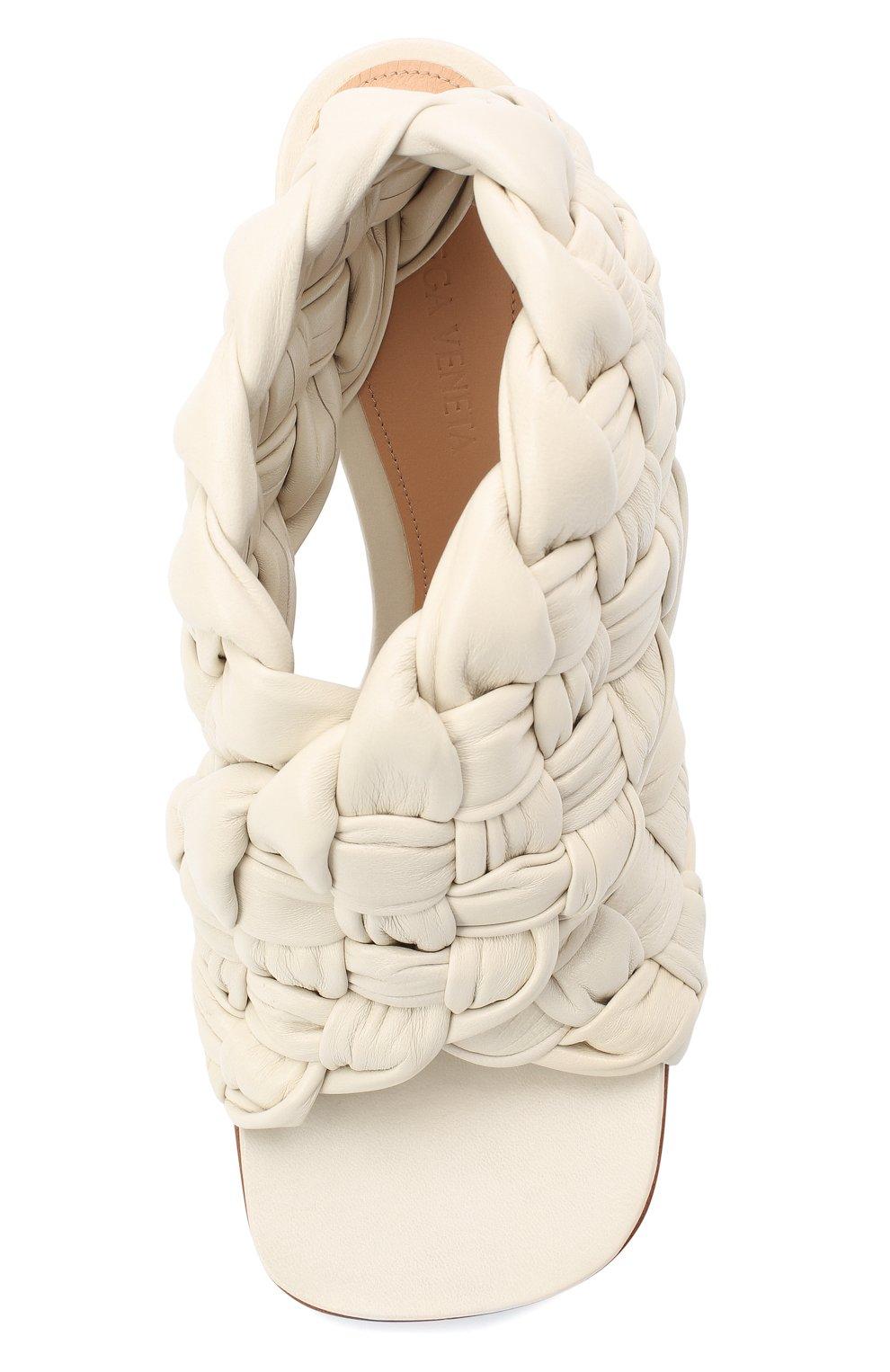 Женские кожаные босоножки bv board BOTTEGA VENETA кремвого цвета, арт. 632507/VBT10 | Фото 5