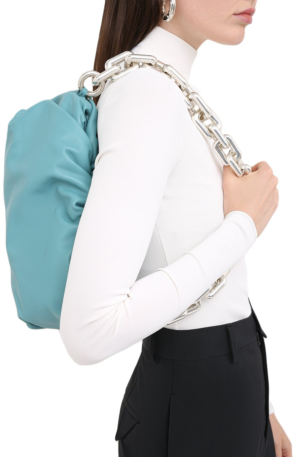 Женская сумка chain pouch BOTTEGA VENETA голубого цвета, арт. 620230/VCP40   Фото 2