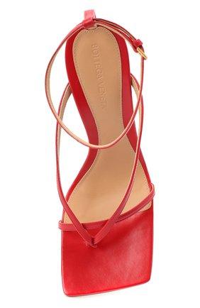 Женские кожаные босоножки BOTTEGA VENETA красного цвета, арт. 608835/VBSF0 | Фото 5