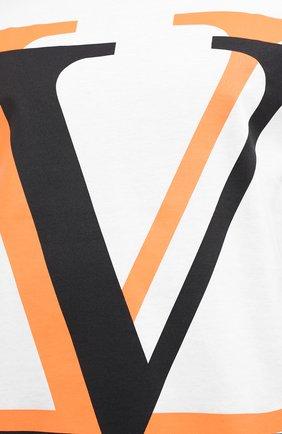 Мужская хлопковая футболка VALENTINO белого цвета, арт. UV3MG08C6K7   Фото 5 (Рукава: Короткие; Длина (для топов): Стандартные; Мужское Кросс-КТ: Футболка-одежда; Материал внешний: Хлопок; Стили: Кэжуэл)