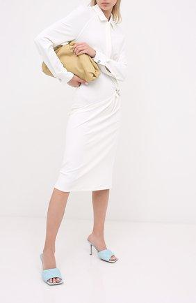 Женские кожаные мюли BOTTEGA VENETA голубого цвета, арт. 592015/VBRR0 | Фото 2