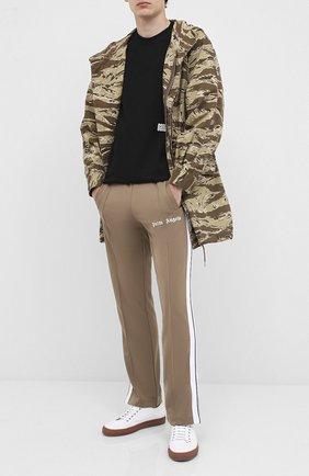 Мужской брюки PALM ANGELS светло-коричневого цвета, арт. PMCA007E20FAB0016401 | Фото 2