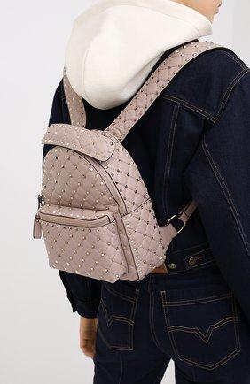 Женский рюкзак valentino garavani rockstud spike VALENTINO бежевого цвета, арт. UW2B0C48/NAP | Фото 2