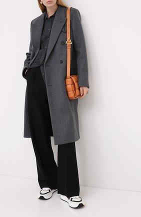 Женское шерстяное пальто BOTTEGA VENETA серого цвета, арт. 628724/VKUU0 | Фото 2