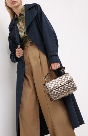 Женская сумка valentino garavani rockstud spike medium VALENTINO бронзового цвета, арт. UW2B0122/UQZ   Фото 2