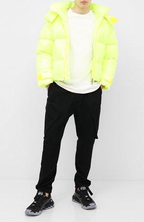 Мужская пуховая куртка VALENTINO желтого цвета, арт. UV3CNB006GM | Фото 2