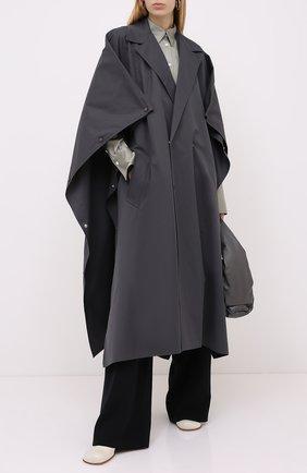 Женский хлопковый плащ BOTTEGA VENETA серого цвета, арт. 632789/VKUM0 | Фото 2