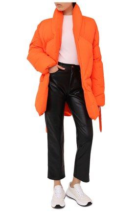 Женский пуховик KHRISJOY оранжевого цвета, арт. BFPW037/NY | Фото 2