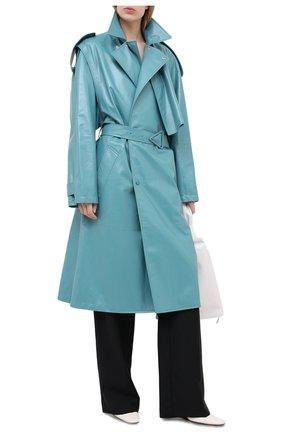 Женское кожаное пальто BOTTEGA VENETA голубого цвета, арт. 626527/VKLC0 | Фото 2