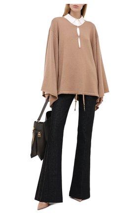 Женская кашемировый пуловер TOM FORD бежевого цвета, арт. MAK986-YAX226 | Фото 2
