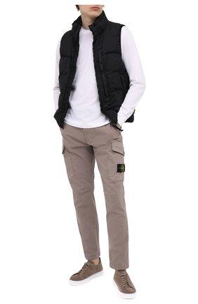 Мужской хлопковые брюки-карго STONE ISLAND серого цвета, арт. 731531310 | Фото 2